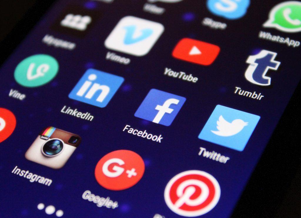 Social Media Smart APIs